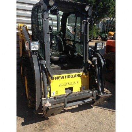 Mini chargeur NEW HOLLAND type L215 d'occasion (démonstration)